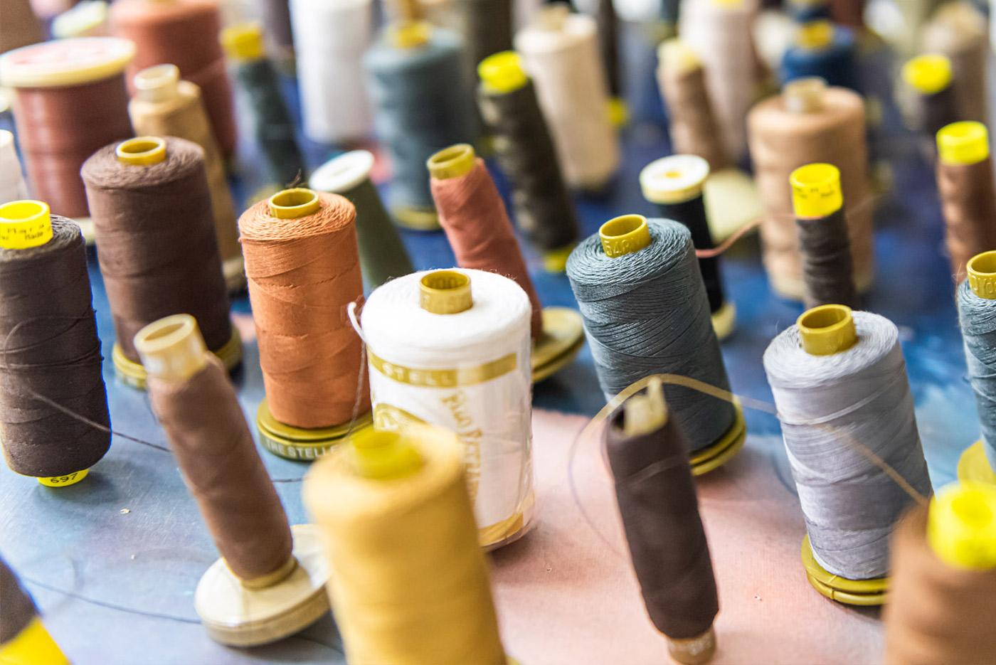 Interpel - rocchetti fili colorati